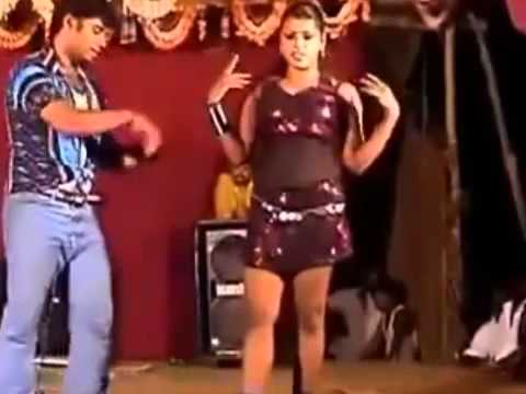boy seeing the cute girl pundai with dance in the stage hot videos