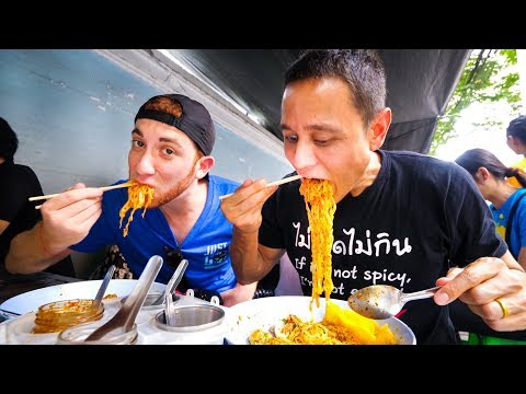Xxx Mp4 Thai Street Food In Bangkok MOST POPULAR LUNCH Noodles In Downtown Silom Thailand 3gp Sex