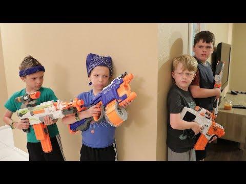 Nerf War:  Extreme Toys TV vs Twin Toys