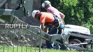 USA: Destruction of Confederate Monument in St. Louis starts