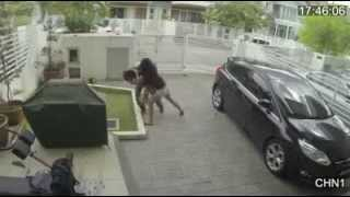 Girl fights With snatch Thief ( Girls Must Watch )