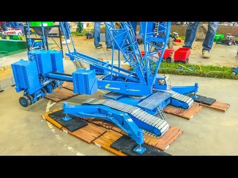 Stunning GIANT RC crane builds a wind power plant