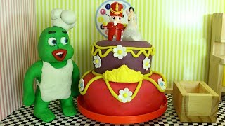 Green Baby in BIG WEDDING CAKE - Clay Stop Motion Cartoons For Kids