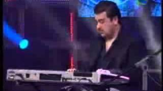Jugalbandi of keyboard and tabla-adnan sami and fazal qureshi