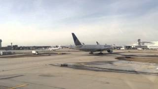 UAL 777's on the move at ORD