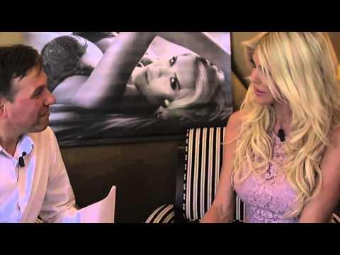 Xxx Mp4 Victoria Silvstedt Nous Parle De Sa Collection De Maillots De Bain Mais Aussi Télé 3gp Sex
