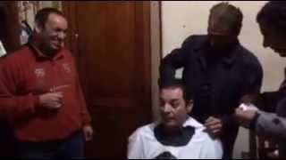 محمد السبكي يصفف شعر محمود حميدة و حميدة للسبكي نروحلك المحل ياسطي! كواليس فيلم ريجاتا