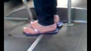 wow colombian feet in bus