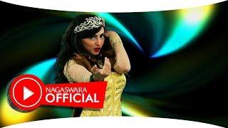Larissa Kentring - ABG Palsu (Official Music Video NAGASWARA) #music