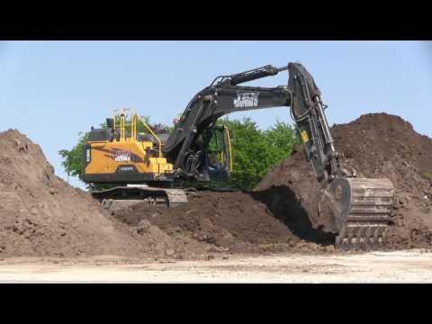 EC380 EL Volvo Hydraulic Excavator at Work