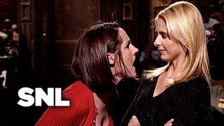 Sarah Michelle Gellar Monologue: Hit on the Host - Saturday Night Live
