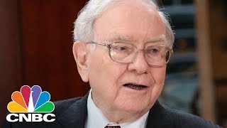 Economists Don't Make Money Buying And Selling Stocks: Warren Buffett | CNBC