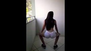 Novinha gostosa dançando funk ( menina dançando funk )