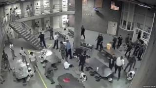 Fight at Cook County Jail Sends 8 Inmates, 2 Deputies to Hospital