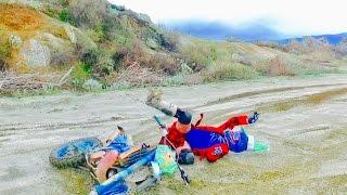 SANTAS WILD DIRTBIKE CRASH!!!