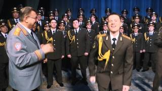 "Russian police sings ""Happy"" by Pharell Williams (Happy new year!)"