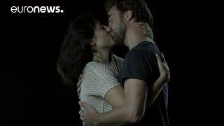 بوسه فرانسوی، زبانی جهانی
