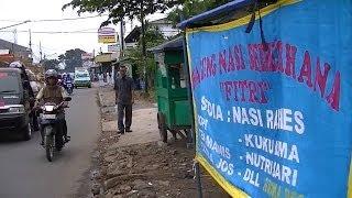 Jakarta Street Food 310 Modest fried Bawel Fish nasi ikan bawel Sederhana Fitri