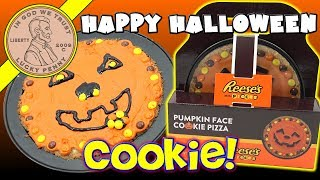 Pumpkin Face Cookie Pizza - Reese