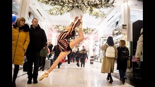 10 Minute Photo Challenge Distracts Holiday Shoppers at Macy