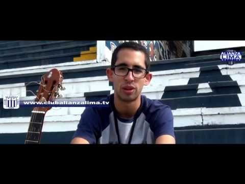Melodías del corazón:  Álvaro Schmitt, el hincha enamorado, que le canta a Alianza