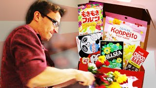 HOW TO FLOWER CROWN + Eating Japanese Trash (Wowbox Unboxing)