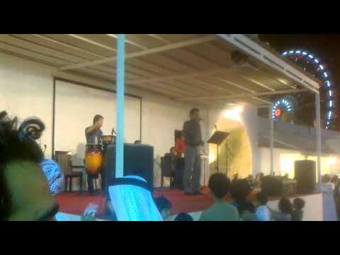 رقص في القرية العالمية 2011 جناح الإيراني