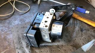 My New ABS/DSC Pumps is Already Bad...! DSC Motor Replacement DIY