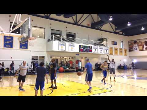 Kevin Durant and Stephen Curry shooting 3s together after Warriors (66-15) practice, day b4 Lakers