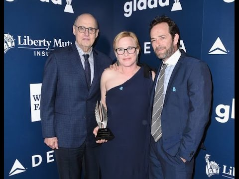 """Patricia Arquette Honors Sister Alexis At GLAAD Media Awards For Helping """"Move The World Forward"""""""