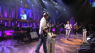 004 Sara Evans    Suds In The Bucket  Live at the Grand Ole Opry