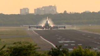 Barack Obama in Berlin - Die Air Force One schwebt über TXL ein (HD)