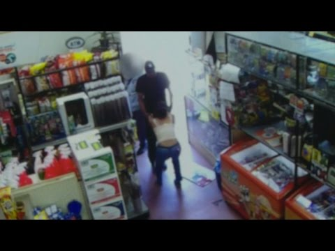 Witnesses Walk Right Past Man Allegedly Kidnapping Woman Inside Store