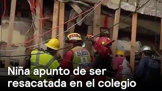 Niña apunto de ser rescatada en el colegio. #FuerzaMéxico