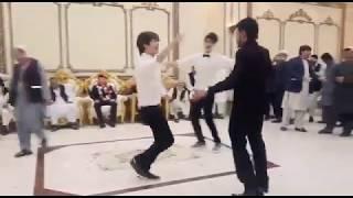 رقص شباب افغاني