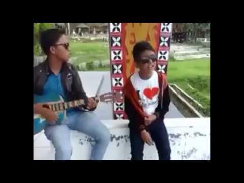 Suara Tinggi Anak Batak Nyanyi Mardua Holong (Alvian Manurung )