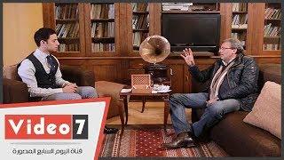خالد يوسف يكشف لأول مرة مواقف بكى فيها يوسف شاهين