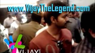 VTL Exclusive : Vijay @ nanban Premiere Show @ Sathyam Cinemas