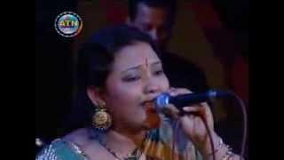 Bangla Folk Song By Momotaz   Ami Karo Holee Tomar Kano Jolee