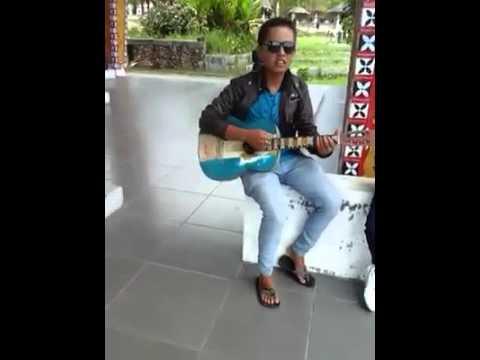 Mardua Holong by Alvian Manurung