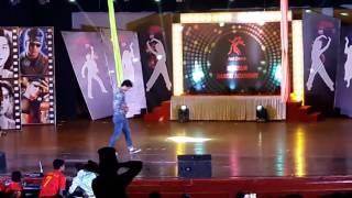 Raghav best dancE...slow motion king