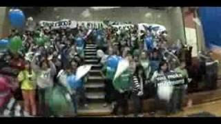 Estudiantes hacen videoclip en reversa