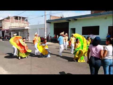 Desfile 20 de Noviembre 2014 En Los Reyes Michoacan