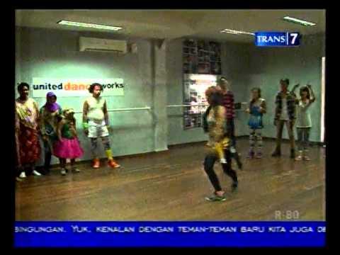 Rekreasi Aziz Nunung Berlatih Loncat Indah Part 3