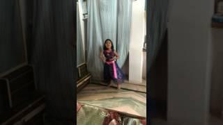 Mai English medium padi hui by  MEDHAVI dance