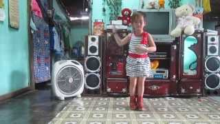 Bé Thanh Bình nhảy Sexy Love tara