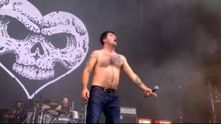 Alexisonfire - This Could Be Anywhere In The World - Live at Reading Festival 2015