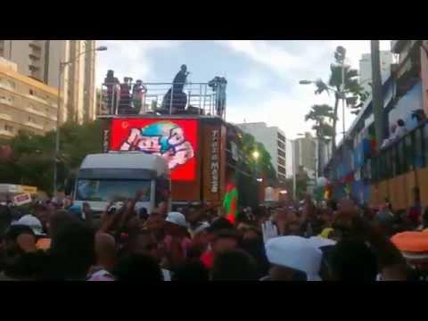 carnaval de salvador 2015 bloco traz a massa com Bailão do Robyssão