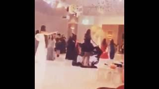 بنت ترقص بزواج حبيبها ♥