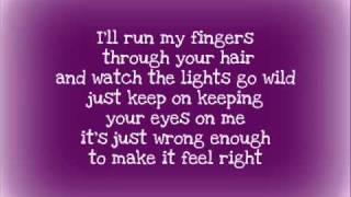 Taylor Swift  Sparks Fly lyrics